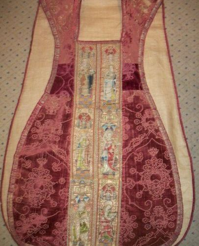 Chasuble, 16th century, in late 15th early 16th century red cut gothic velvet wi…