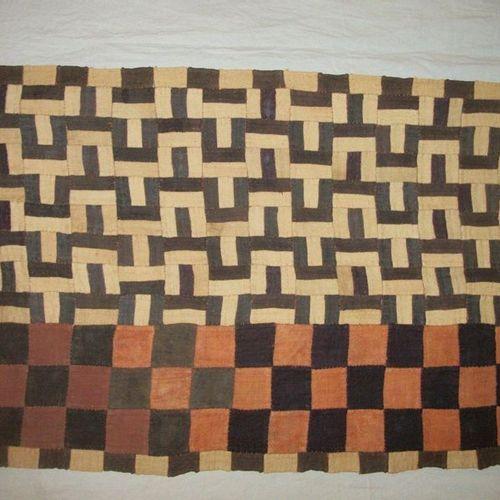 Cloth Tchak du Kasaï, Congo, assembly of raffia, checkerboard and Greek strips. …