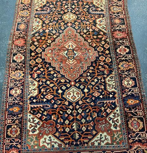 Fine and old Sarouk (Persia) end of XIXth century.  Dimensions: 200 x 125 cm (ap…