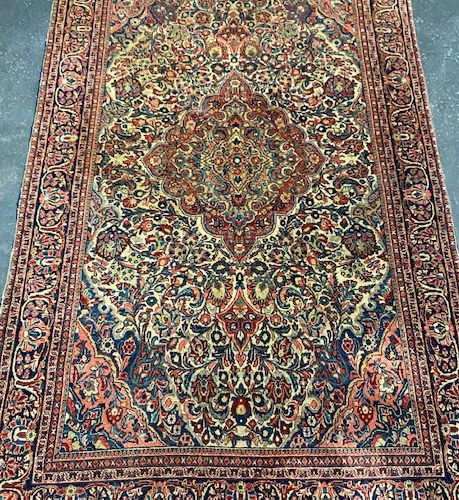 Fine and old Sarouk (Iran) early XXth century.  Dimensions : 204 x 127 cm  Techn…