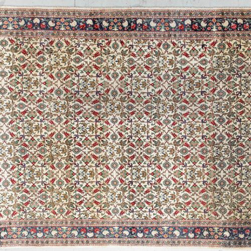Large and fine Hereke (Turkey) around 1980.  Dimensions. 346 x 241 cm  Technical…