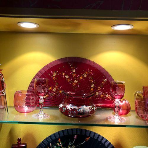 Red tinted glassware set