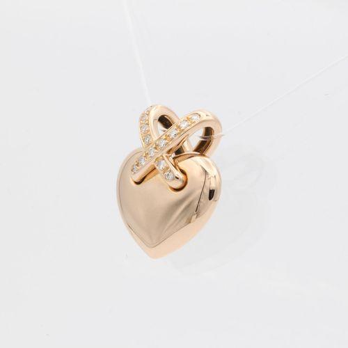 Pendentif lien Chaumet en or rose 18 carats serti de diamants Environ 0,1 carat …