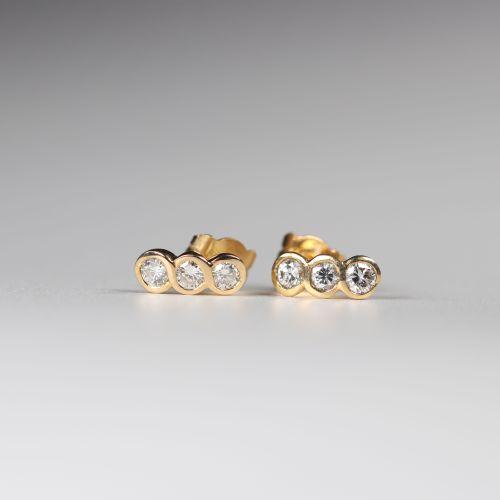 Paire de boucles d'oreilles en or (18k) diamants taille brillant (0.34ct) top qu…