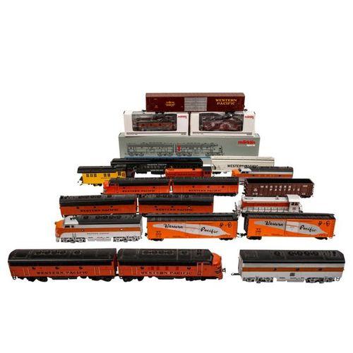 "MÄRKLIN/ATLAS u.A. Konvolut Dieselloks und Güterwagen, ""Western Pacific"", Spur H…"