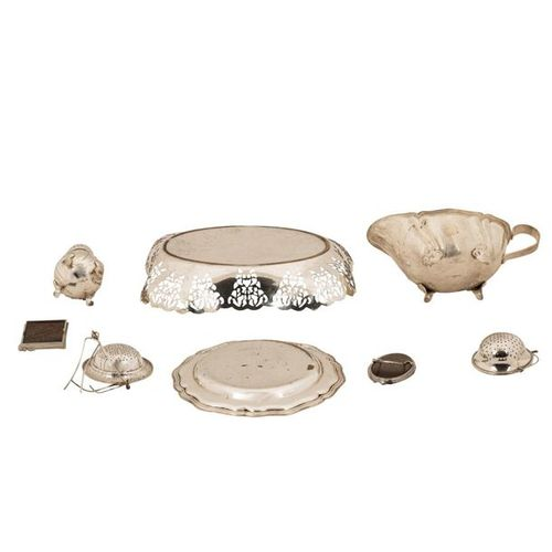 KONVOLUT ACHT TEILE VERSILBERT BZW. NEUSILBER GROUP OF EIGHT PARTS SILVER PLATED…