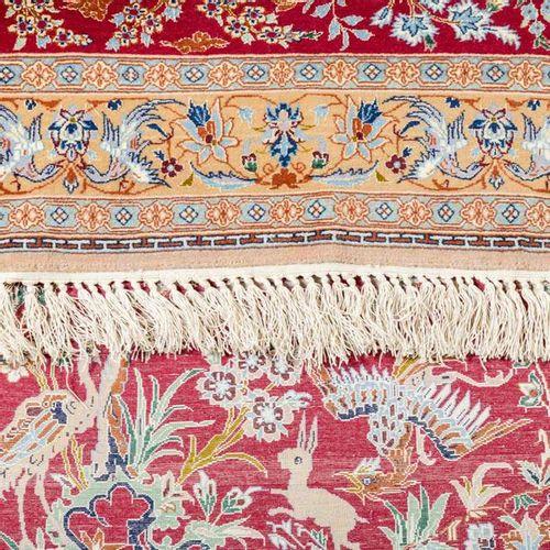 Zwei Orientteppiche mit Seide. PERSIEN, 20. Jh., je ca. 120x80 cm. Two oriental …