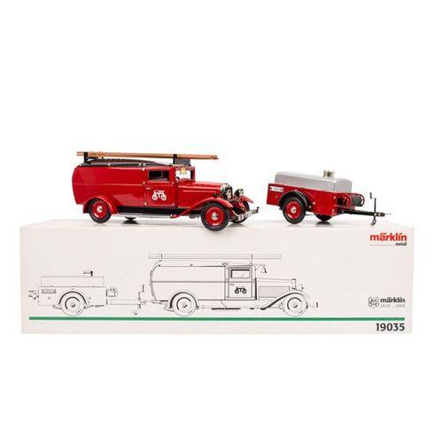 MÄRKLIN Feuerwehr LKW mit Tankanhänger 19035, rot lackierter LKW mit Wasserwagen…