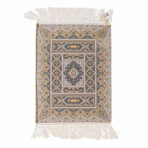Feinster Teppich aus Seide. TÜRKEI, 20. Jh., 61x47 cm. Finest silken rug. Turkey…