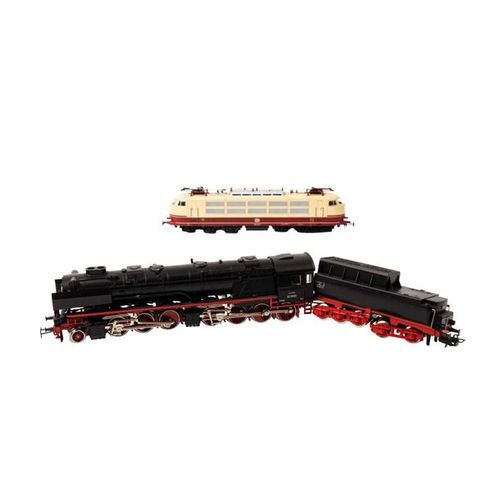 MÄRKLIN zwei Lokomotiven, Spur H0, MÄRKLIN two locomotives, track H0, consisting…