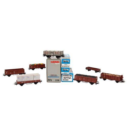 MÄRKLIN Tenderlok 3798 und 10 Güterwagen, Spur H0, MÄRKLIN tender locomotive 379…