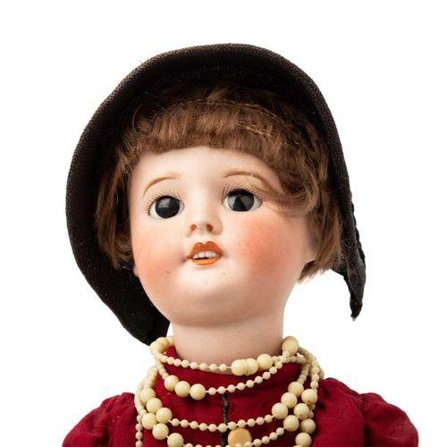SFBJ französische Porzellankopfpuppe, 1. H. 20. Jh. SFBJ French bisque head doll…