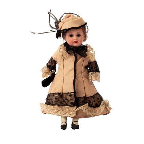 """Kleine Porzellankopfpuppe, Small bisque head doll, marked """"Germany 390.13 / 0."""" …"""