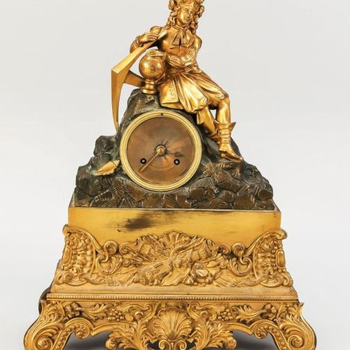 French. Figures Pendule, 2nd half 19th century, depicted is a sailor with anchor…