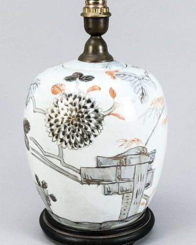 Vase mounted as a lamp base, Southeast Asia, 20th c., decor rubbed, h. Without s…