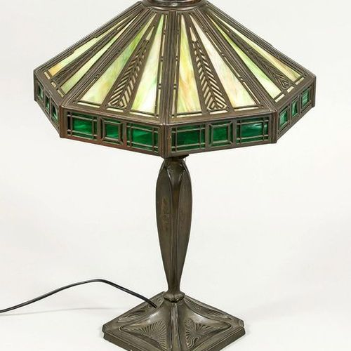 Art Nouveau table lamp (Tiffany style), early 20th century, marked ''Handel Lamp…