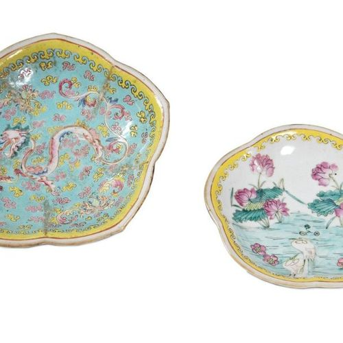 Lot of two polychrome porcelain platesChina, mid 20th century one decorated with…