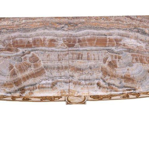 Console de style Louis XVIItalie, milieu du XXe siècle En bois laqué blanc et do…