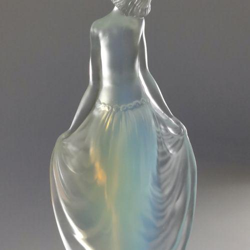 ETLING France, vers 1920 1930  Danseuse des années folles en verre moulé pressé …