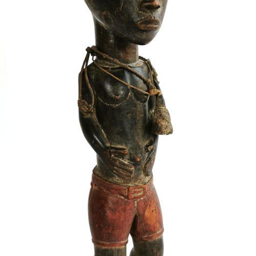 BAOULÉ (Côte d'Ivoire)  Statuette en bois sculpté polychrome  H. 39 cm