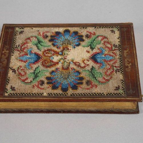 Varia bundle  19th/20th century, with box with bead embroidery in book form, cov…