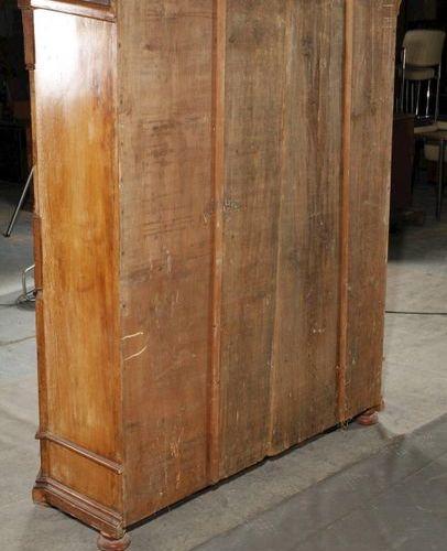Cabinet du lac de Constance  vers 1800, bois fruitier massif et plaqué, armoire …