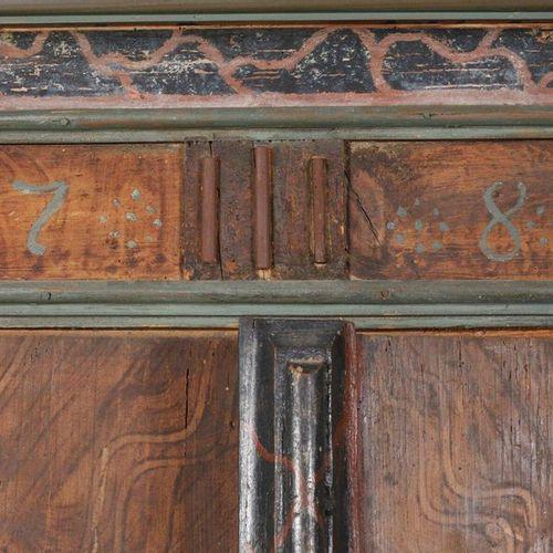 Armoire de fermier peinte  Thuringe, datée de 1780, bois tendre massif, deux por…