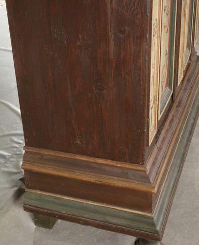 Armoire de fermier baroque  Milieu du XVIIIe siècle, bois de conifère massif, pe…