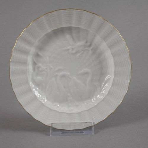 Meissen plate and vase  underglaze blue sword marks, 1. Choice, formed 1985 and …