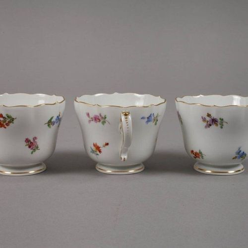 Meissen coffee service scattered flower decoration  for six persons, underglaze …