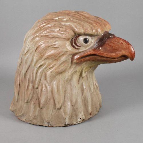 Tête d'aigle surdimensionnée  ca. 1930, terre cuite, peinture mate, forts relief…
