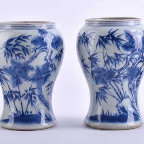 Paar Vasen China Qing Dynastie 19. Jhd. | Pair of vases China Qing dynasty 19th …