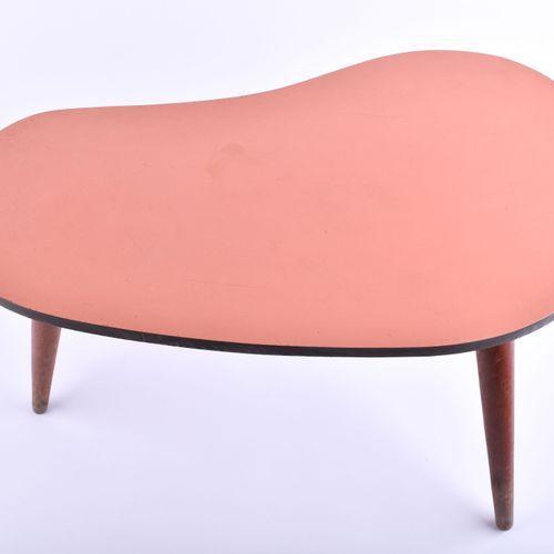 Kleiner Nierentisch 50er Jahre | small kidney table 1950s 51, 5 cm x 26,5 cm x 3…