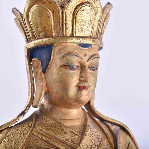Figur eines Lama, Tibet 18./19. Jhd. 青铜火鎏金,坐在莲花宝座上,精雕细琢,部分彩绘,高:24.5厘米,出处:柏林旧藏