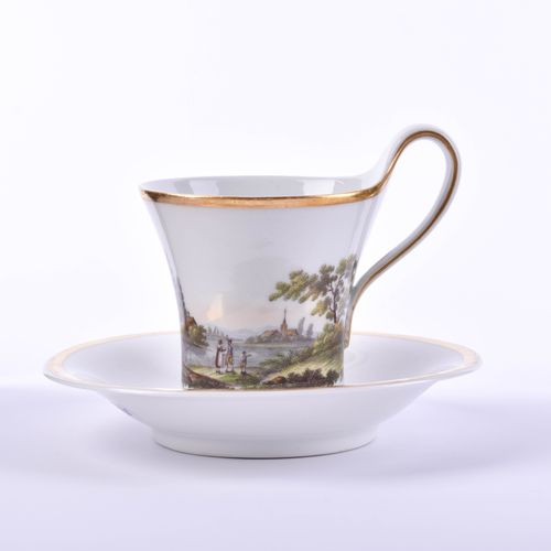 Tasse KPM um 1810 杯子与UT,杯上有山水画与人物造型,釉下青花权杖印和画家印,第一选择