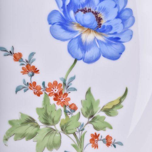Kuchenplatte Meissen 德国花束装饰,金边,蓝色剑纹,第二选择,直径27厘米
