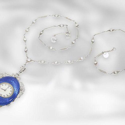 Montre/chaîne/collier : montre pendentif de musée de style Cartier, de la périod…