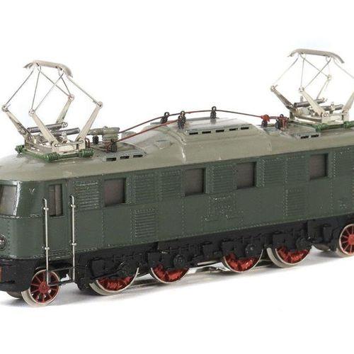 Locomotive électrique Märklin, voie H0, MS 800, type 5, BZ : 1951 52, BR E 18 de…
