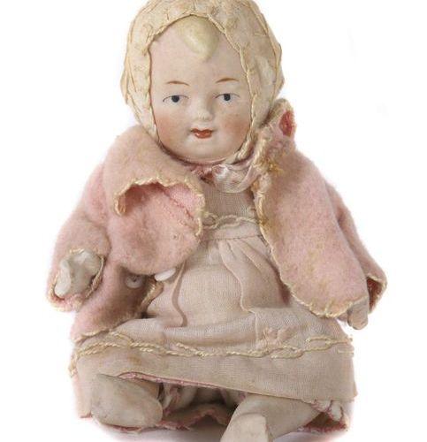 Poupée allemande en porcelaine, vers 1920, tête fixe, bras et jambes articulés, …
