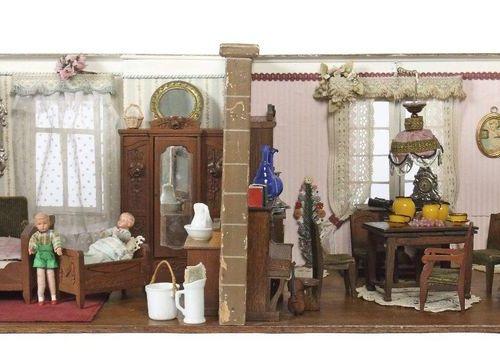 Maison de poupée vers 1930/40, maison de 2 pièces avec salle de bain, extérieur …