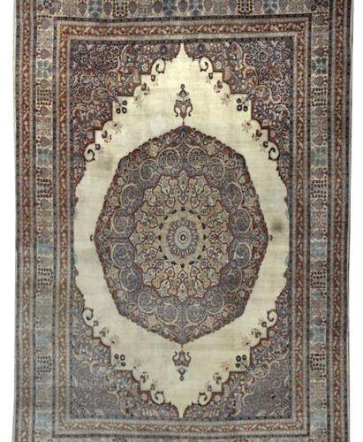 Tapis ancien à médaillon de Tabriz, Perse du Nord Ouest, vers 1900/1910, laine s…