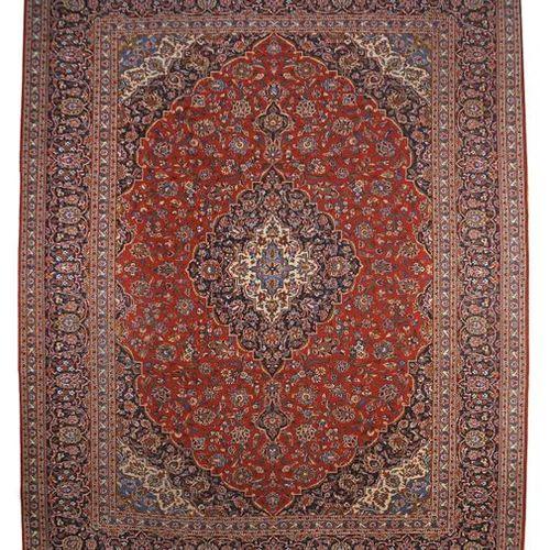 Tapis à médaillon Kashan signé Perse centrale, v. 1970, laine sur coton, signé d…