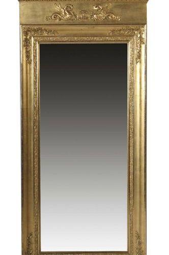 Grand miroir de style Empire de la 2e moitié du XIXe siècle, cadre en bois doré …