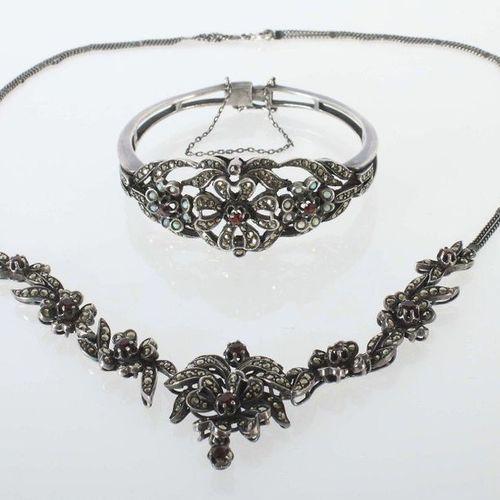 Collier et bracelet 1ère moitié du 20e siècle, argent 925, ajouré et motif flora…
