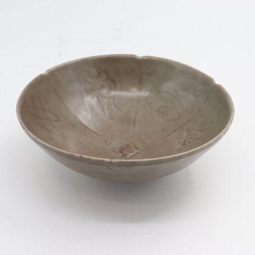 CHINA, XII XIV CENTURY 1. A celadon bowl, Nguyen dynasty, XII century the interi…
