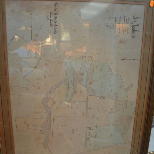 Un lot de pièces encadrées comprenant 版画、拉朱伯蒂的地图、卢斯托诺的水彩画等。
