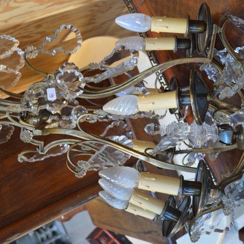 Lustre cage en bronze et laiton 镀金的8条光臂,饰有吊坠