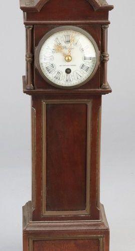 French miniature grandfather clock Ancienne pendule française miniature en acajo…
