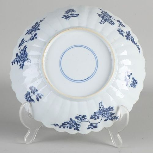 Ancienne assiette Kang Xi en porcelaine chinoise à décor de mer / coquillages / …