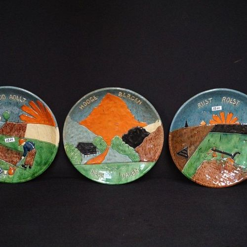 """3 ZELDZAME GROTE BORDEN Flemish pottery """"Hooge bergen diepe dalen"""" """"Arbeid adelt…"""